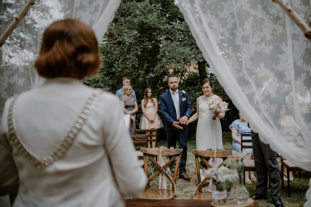ślub plenerowy w spichlerzu galowice